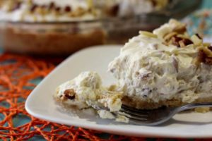 nut crunch cheesecake pie